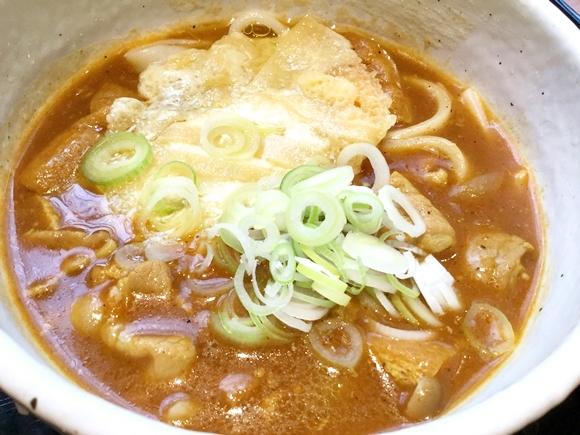 """東京でここだけ? 『ハイジ』の """"あのチーズ"""" をかけたカレーうどんを食べてきた! 池袋にある発見困難な都会の隠れ家「カレーうどん ひかり」"""