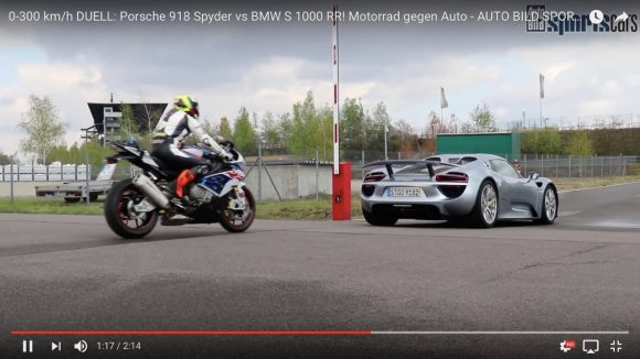 【対決】「220万円のスーパーバイク」と「8500万円のスーパーカー」ではどちらが速いのか?