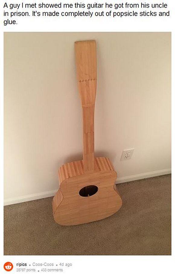 囚人男性が「アイスの棒だけで作ったギター」の出来が秀逸! その完成度の高さがハンパない!!