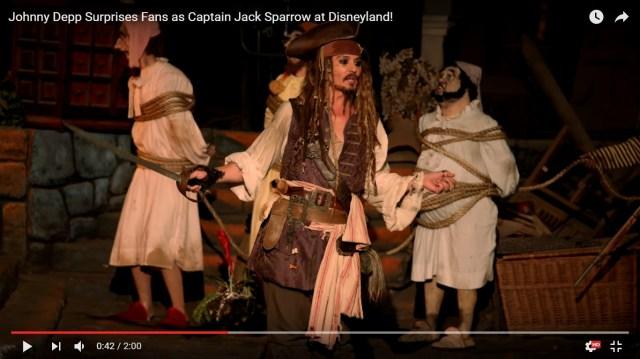 【動画あり】ディズニーランドの『カリブの海賊』にジョニー・デップ演じるジャック・スパロウが登場! 粋な演出に客絶叫「オーマイガッ!」