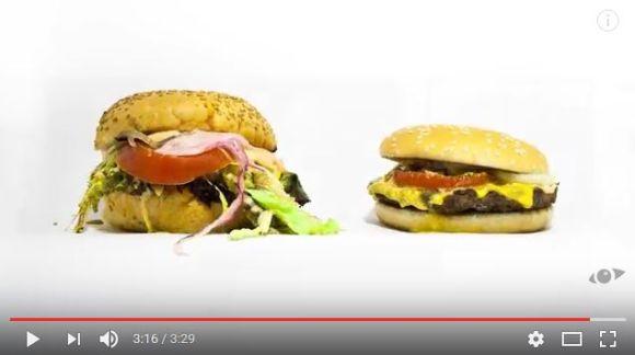 【都市伝説検証】ファストフードのハンバーガーはずっと腐らない!? オーガニックバーガーと腐っていく様子を比較したタイムラプス動画がヤバい