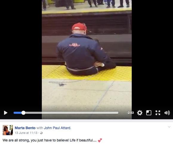 【神対応】自殺しようと線路に立ち入った乗客を駅員が抱きしめ慰める → 乗客全員も一丸となって励ます