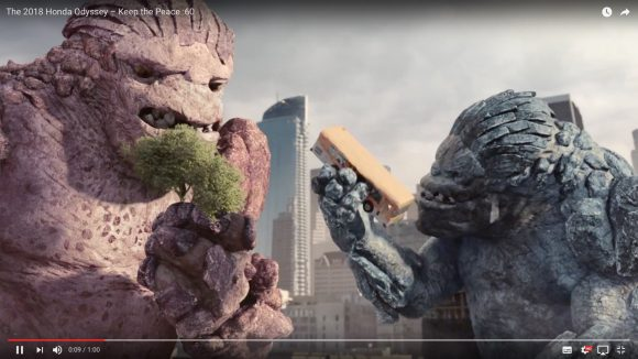 【ホンダの本気】海外版『新型オデッセイ』のCMで怪獣が大暴れ!  PRなのに映画並みの大迫力!!