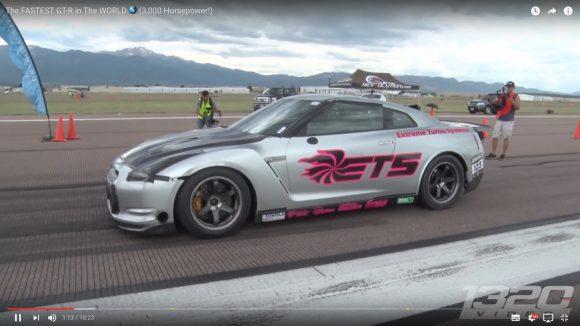 【魔改造】3000馬力にパワーアップした「日産 GT−R」が時速400km超で世界最速記録を更新!