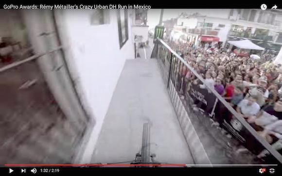 死と隣り合わせの恐怖運転! 道なき道をマウンテンバイクで疾走する視点映像が超ガクブル