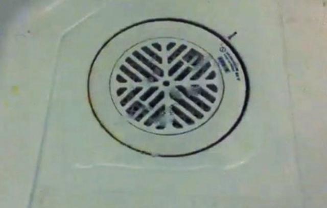 【水まわり修理業者さん直伝】ユニットバスの排水口から水があふれる時の対処法