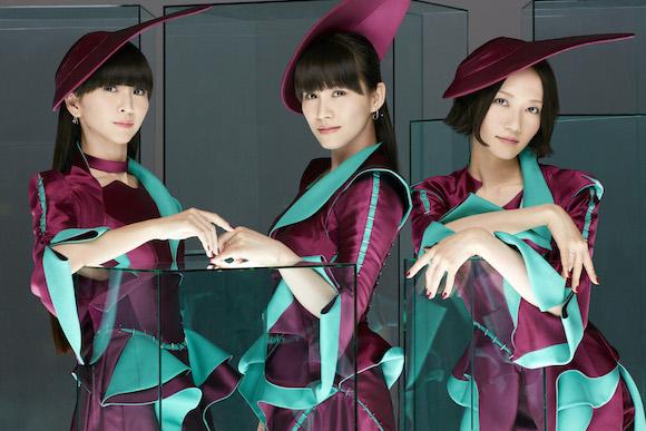 ガンバ大阪の遠藤保仁選手らがPerfumeのダンスを完コピ! 本業がダンサーと思えるほどキレキレすぎる