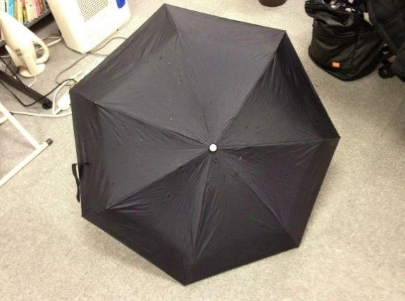 中国で「レンタル傘」がスタート → 約30万本盗まれてサービス中断に