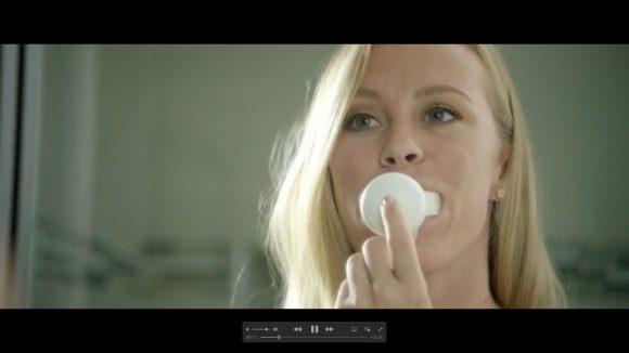 【マジかよ】たった10秒で歯磨き完了! マウスピース型電動歯ブラシ「Amabrush」が海外で人気沸騰中