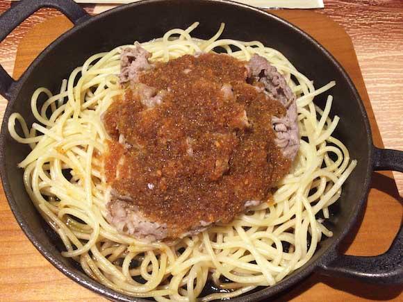 福岡県の隠れたB級グルメ「ビーフバター焼き」がバリうま! 空港でも食べることができてお手頃価格と死角なし