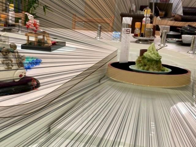 注文した品が川を流れてくる! 甘味処「田むら」のリバーカウンターがスゴイ!! 初期のかっぱ寿司を彷彿させる