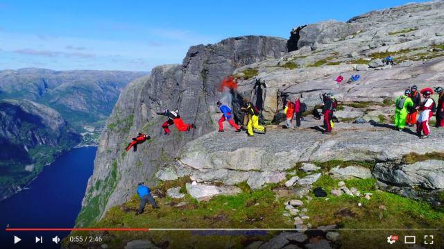 目もくらむような崖から躊躇なくジャンプしまくる動画がヤバい!