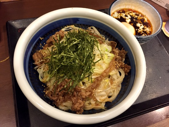 丸亀製麺の安定感は吉田沙保里レベル! 新作「旨辛肉つけうどん」も堂々のウマさ