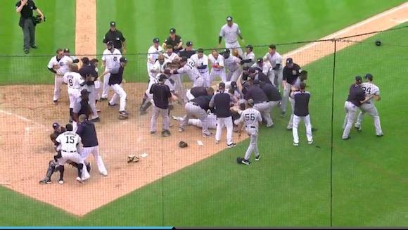 【動画】メジャーリーグでド迫力の大乱闘が勃発! まるで格闘技のような殴り合いで退場者も続出!!