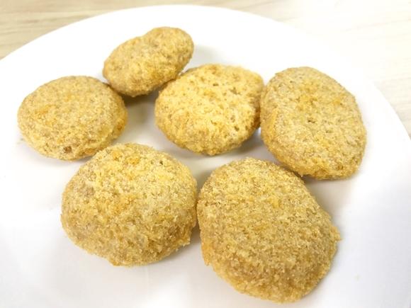 【これすごい】話題のお菓子「コロッケのまんま」がガチでコロッケそのものでビビった! サックサクなのにマジでコロッケ!!