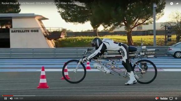 【伝説】自転車で時速333kmを出す動画がいつ見てもヤバい