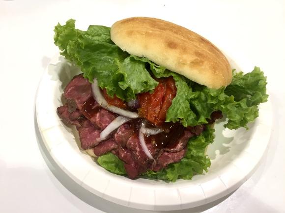 【肉ぎっしり】コストコの「ロースビーフサンド」が高いけどアメリカの味がしてウマい