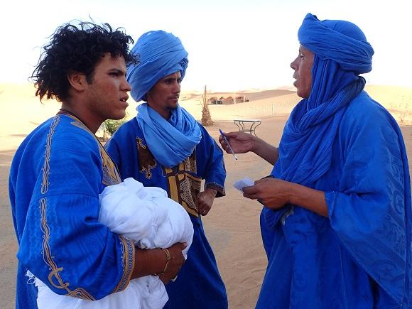 サハラ砂漠のラクダ使いに1日密着してわかったこと「チャンスがあれば観光客をナンパ」「世界中の言葉を使いこなす」など