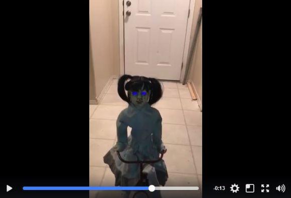 【海外の本気】ハロウィン用に売られている「少女の人形」がマジでガクブル…夢に出てくるほど怖いと話題に