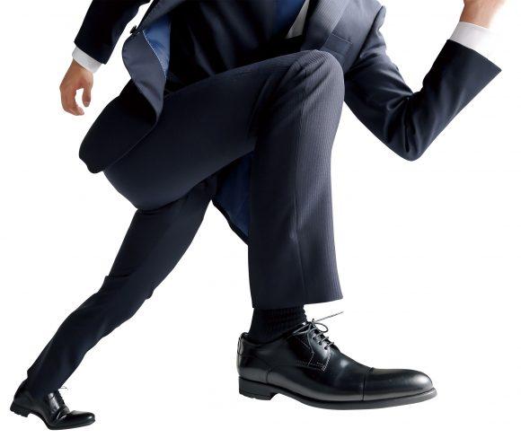【ビジネスマン必見】洋服の青山がブリヂストンのタイヤ技術を応用した『走れる革靴』を発売! ネットの声「ありがたい」「女性用も欲しい」など