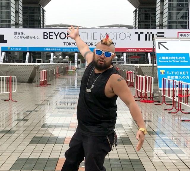 """【車大好き】東京モーターショーの会場で """"はしゃぐオジサン"""" 画像集"""