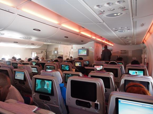 通路側か窓側か? 『飛行機の座席の選び方』で人の性格が分かるらしい / 通路側を好む人は「優位に立つのが好き」など