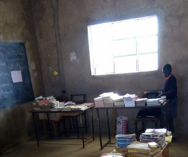 【マサイの学校】よく学んでよく遊ぶ、マサイのチビッコ写真集 / マサイ通信:第105回