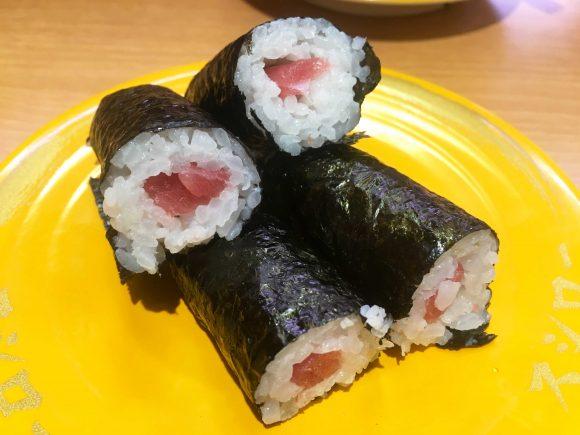"""【検証】くら寿司、スシロー、はま寿司の「鉄火巻」を食べ比べてみた結果 → 別次元なほどの """"違い"""" が明らかに!"""