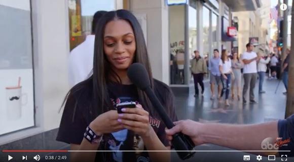 【実験動画】iPhone4を渡して「これ iPhone Xですよ」と告げたときの人々の反応がこちらです