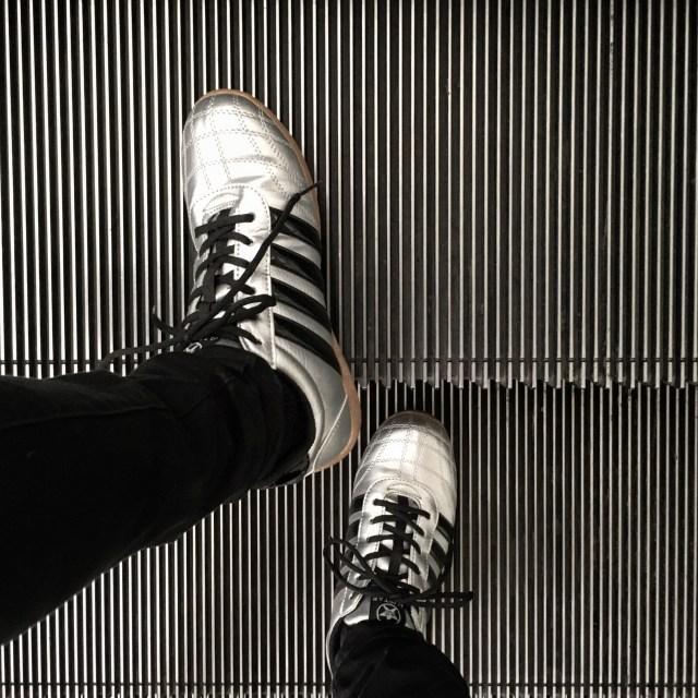 ホームセンター「コーナン」オリジナルの作業靴が予想外にオシャレなうえに超激安(1380円)なので即買いした