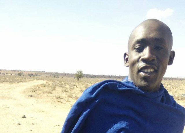 【23分の2の確率で他人】マサイ族が「ついつい撮ってしまった自撮り写真」の写真集 / マサイ通信:第112回