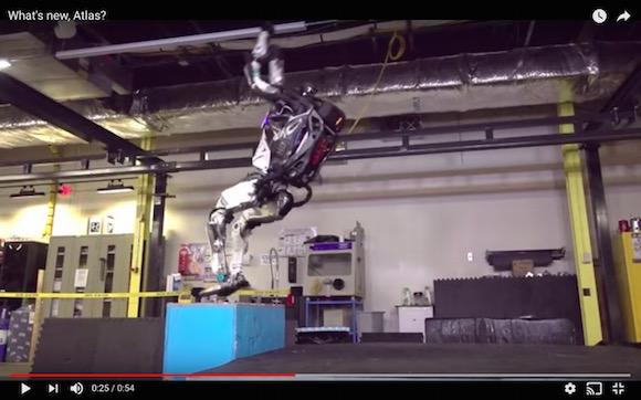 ロボットがバク宙だと… 2足歩行ロボット「アトラス」の新作動画がマジやばい