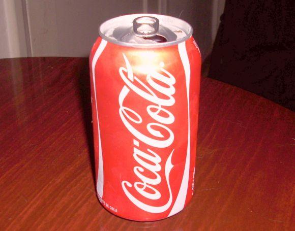 【放送事故】コーラに液体窒素を混ぜるとヤバいって! 生放送中のハプニングでお茶の間が凍る