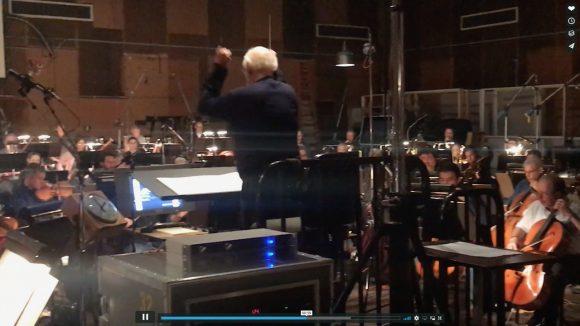 【生きる伝説】映画音楽の巨匠「ジョン・ウィリアムズ」がスター・ウォーズのテーマを指揮をするオーケストラ動画がマジ鳥肌モノ!
