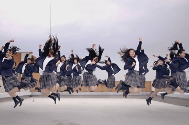 【キレッキレ】登美丘高校ダンス部がハリウッド映画とコラボ! バブリーダンスとは全く違った世界観を制服姿で披露