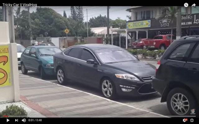 何コレすごい…縦列駐車で絶望的な位置からスムーズに脱出する車映像