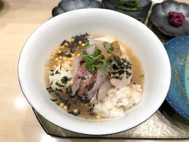 【中年殺し】サラッと食べられる「鯛茶スタンド」がおっさんに流行の予感 / ただしココは改良してくれ