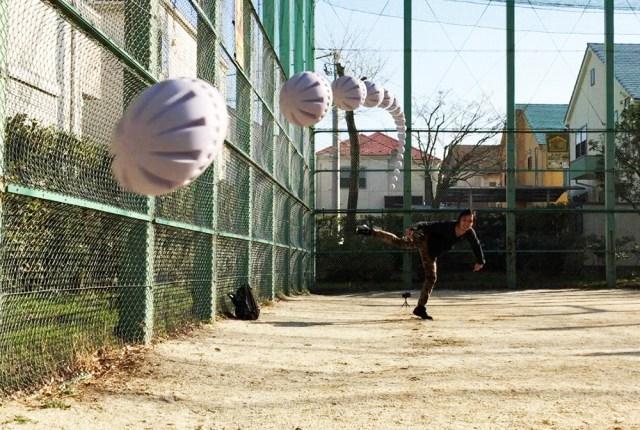【100均検証】ダイソーの「変化球ボール」でピッチングしてみた結果 → スッゲーたのしい!