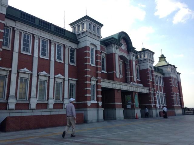 どこからどう見ても東京駅! 小っさい東京駅こと埼玉県の「深谷駅」の内部で見かけた心温まる光景とは?