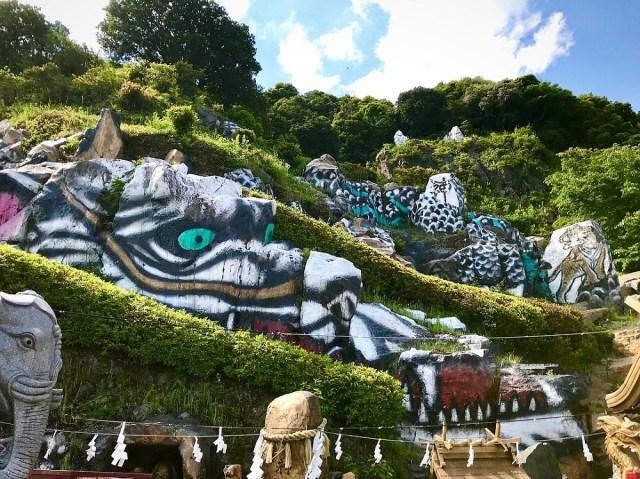 【珍スポット】鹿児島の山中に超巨大な龍神が出現! 霧島市『長命ヘルシン酢醸造』があまりにもファンタスティックだった!!