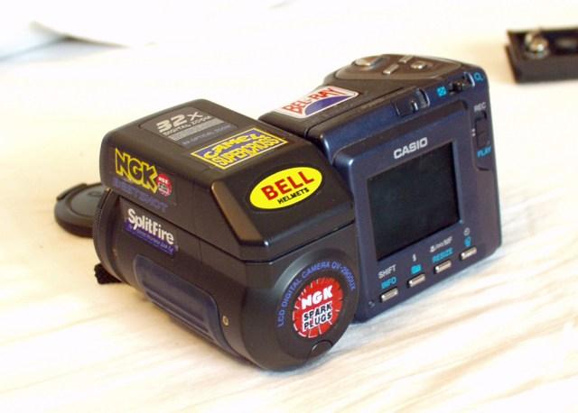 カシオがデジタルカメラ生産終了を発表 / QVシリーズユーザー「初めてのデジカメがQVだった。思い出がありすぎて…(涙)」