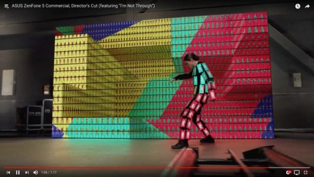 米ロックバンド「OK Go」の発想力ヤバいって! 1000個以上のスマホを使ったCMが斬新すぎて心を奪われる