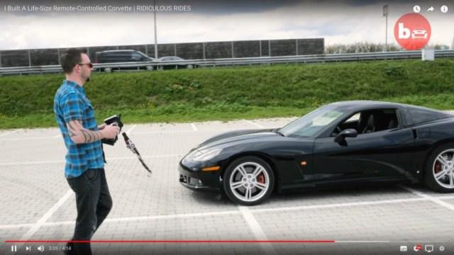 まるでナイトライダー! アメ車「シボレー・コルベット」をラジコンに改造してみたらこうなったっていう動画