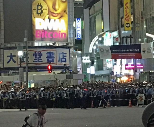 【動画あり】サッカー日本代表、コロンビア戦に見事勝利! その直後の東京・渋谷駅前交差点の様子です