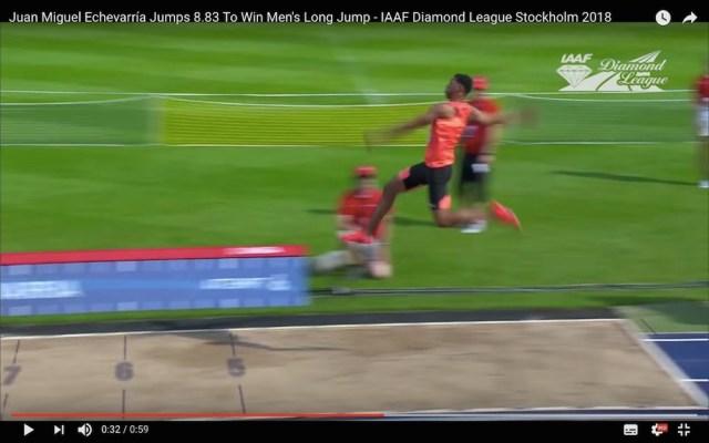 空中を歩いている…! 走り幅跳びで「8m83」を記録した選手の大ジャンプがこちらです