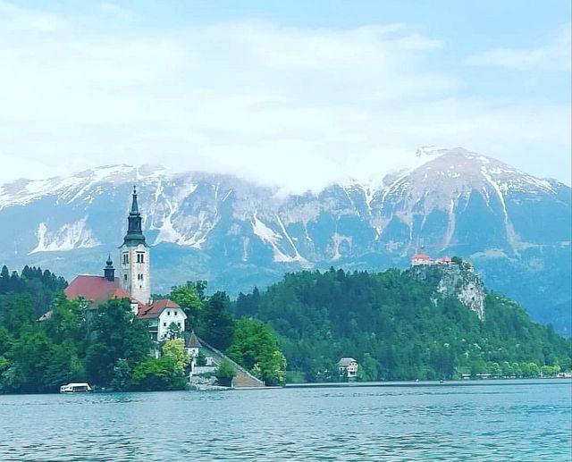 マイナー観光地だと思われがちな「スロベニア」に行ってみた結果 → 絶景の湖や『インディ・ジョーンズ』を彷彿とさせる鍾乳洞群など魅力がいっぱい!