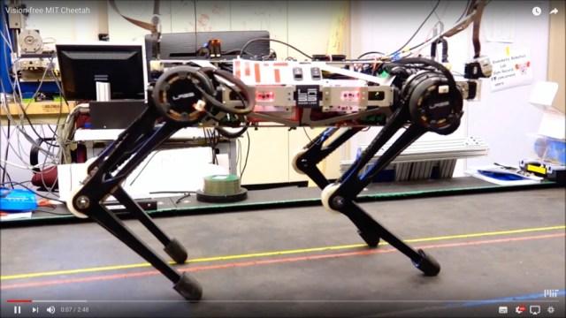 【動画あり】視覚に頼らない新型の四足歩行ロボット「チーター3」が有能すぎてマジすごい! 自由自在に動いて悪路だって何のその!!