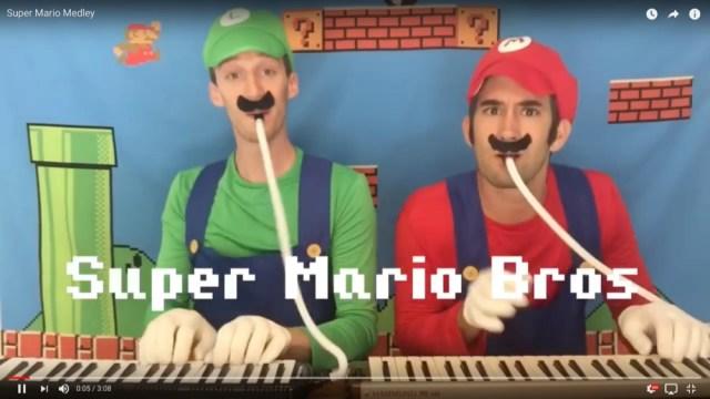 最高すぎると話題沸騰! 男性2人組が「スーパーマリオの曲を鍵盤ハーモニカで完コピ」する動画がたまらない