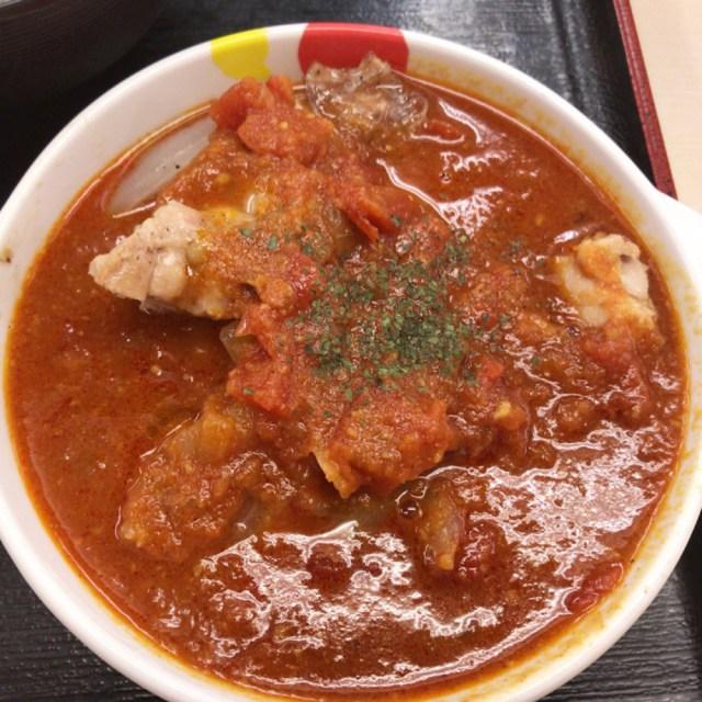 【超朗報】松屋の伝説メニューをコラボした「ごろごろチキンのトマトカレー」が8月7日から全店で販売決定!