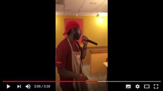 職場で歌いながら『辞職宣言』した男性の動画がこちらです / ノリノリで「もう俺はここで働きたくね〜」と熱唱